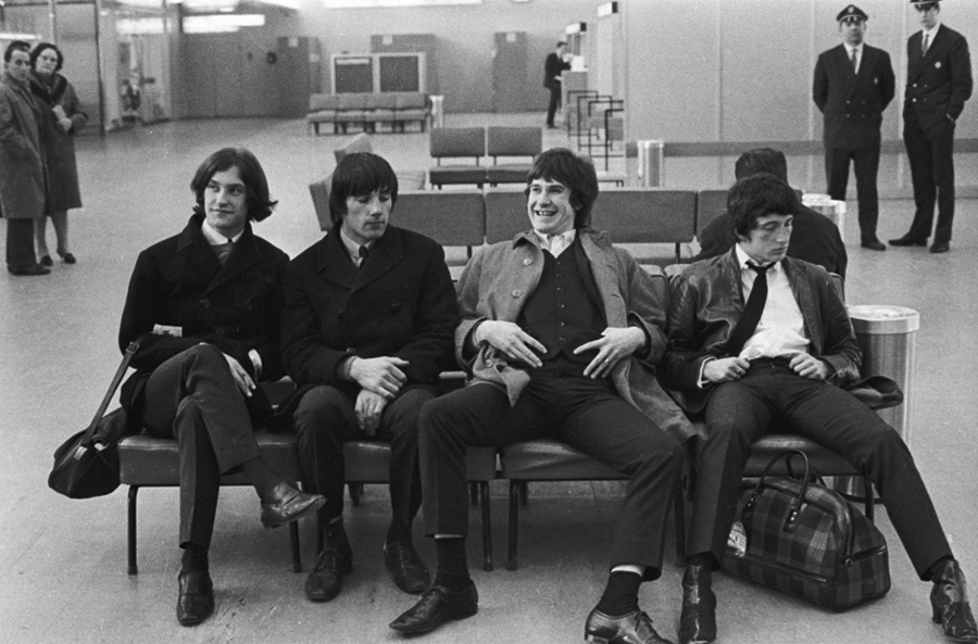 roger-kasparian-the-kinks-aeroport-le-bourget-1965